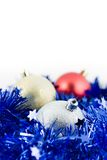 glitter för blå jul för bollar kulört royaltyfri bild