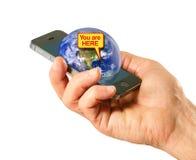 Globaal Plaatsend Systeem (GPS) app op celtelefoon Stock Fotografie