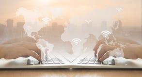 Global anslutningsinternet Arkivfoto
