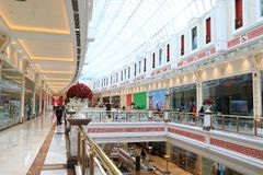 Global hamnshoppinggalleria, Shanghai, stor shoppinggalleria för A i Shanghai Kina Royaltyfri Bild