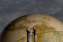 global handskakning Arkivfoton