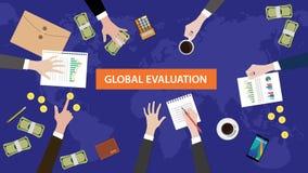 Global illustration för utvärderingsbegreppsdiskussion med skrivbordsarbeten, pappers- pengar och mynt överst av tabellen Royaltyfria Bilder