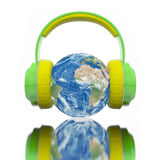 Global musikhörlurarjord Royaltyfri Foto