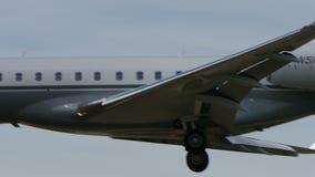 Global uttrycklig landning för Bombardier BD-700-1A10 till Narita lager videofilmer