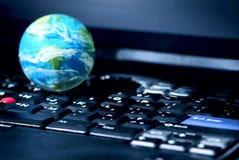 globala internet för affärsdator arkivbilder