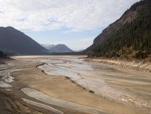 Globale Erwärmung: ausgetrockneter Fluss stockbild