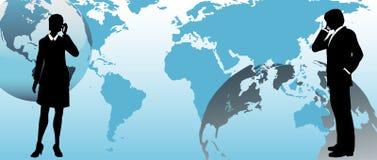 Globale Geschäftsleute stehen über Welt in Verbindung Stockfotos