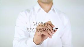 Globale Rekrutering, Zakenman Writing op Glas royalty-vrije stock afbeeldingen