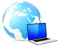 Globale Vernetzung mit Laptop Stockfoto
