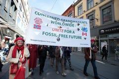 Globale verwarmende banner bij protestdemonstratie stock afbeelding