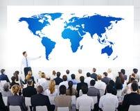Globales Geschäfts-Darstellung mit Weltkarte Stockbild