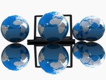 Globales Internet-Konzept widergespiegelt stock abbildung