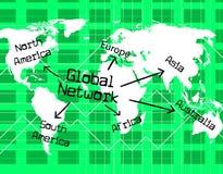 Globales Netzwerk zeigt weltlichen Computer und globalisiert Lizenzfreies Stockfoto