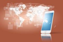 Globalización o concepto social de la red con la nueva generación de teléfono móvil Foto de archivo libre de regalías