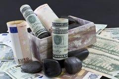 Globalni pieniężni trendy dostają skalistymi Zdjęcia Royalty Free