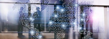 Globalt nätverk för dubbel exponering för världskarta Telekommunikation, internationell affärsinternet och teknologibegrepp arkivfoto