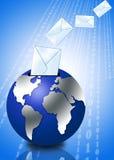 globe 3d avec l'enveloppe d'email Photos stock