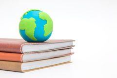 Globe on books Royalty Free Stock Images