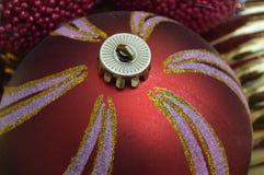 globe décoratif de Noël brillant rouge images stock