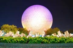 Globe d'Epcot la nuit Images stock