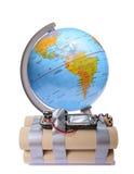 Globe de la terre avec de la dynamite image stock