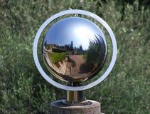 Globe de réflexion de jardin Photo stock