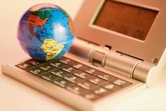 Globe et pendule à lecture digitale Image stock