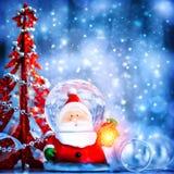 Globe mignon Santa de neige Photos libres de droits