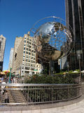 The Globe skulptur på den 59th gatan Columbus Circle Subway Station, New York City, USA Royaltyfri Bild