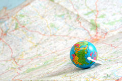 Globe sur la carte Photos stock