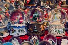 Globes de neige de Noël Photographie stock libre de droits