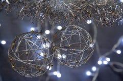 Globi d'argento di natale Immagini Stock