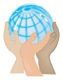 Globo apoiado com as mãos Foto de Stock Royalty Free