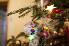 Globo azul de la Navidad Imagenes de archivo