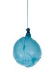 Globo azul desinflado en una cuerda Fotos de archivo libres de regalías