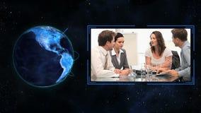 Globo azul que se gira sí mismo del planeta almacen de video