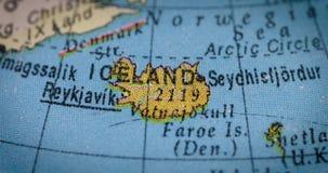Globo con el mapa del país de Islandia almacen de video