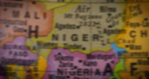 Globo con la mappa del paese della Nigeria archivi video