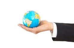 Globo da terra arrendada do homem de negócios imagens de stock royalty free