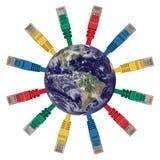 Globo da terra com cabos coloridos da rede imagem de stock royalty free