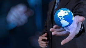 globo da terra 3d em sua mão Foto de Stock Royalty Free
