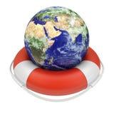 Globo da terra em lifebuoy Fotos de Stock Royalty Free