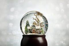 Globo de la nieve de la Navidad Fotografía de archivo