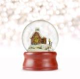 Globo de la nieve de la Navidad en el fondo blanco Imagen de archivo libre de regalías