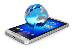 Globo de la tierra en smartphone Imagenes de archivo