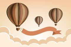 Globo del aire caliente con la cinta en el cielo con las nubes Tiempo de viaje Diseño plano de la historieta Imágenes de archivo libres de regalías