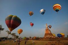 Globo del aire caliente en el festival internacional 2009 del globo de Tailandia Foto de archivo libre de regalías