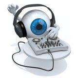Globo del ojo azul con las auriculares de DJ delante del consolle Foto de archivo
