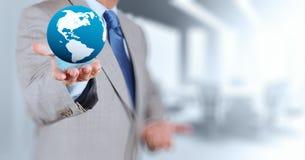 globo della terra 3d in sua mano Immagini Stock