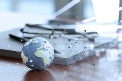 Globo dibujado mano de la textura con el medios diagrama social Foto de archivo libre de regalías